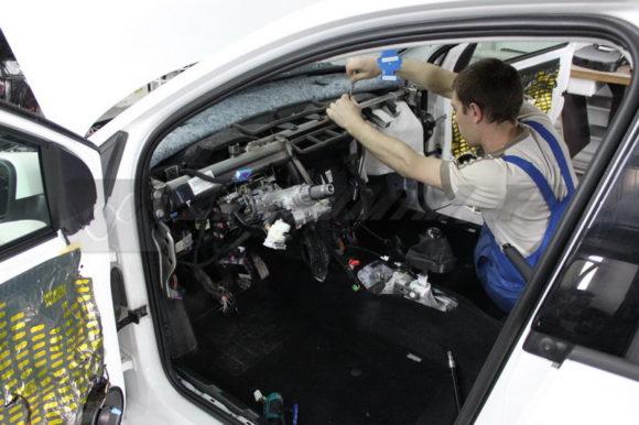 Сборка салона VW после шумоизоляции